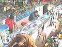 德州的小偷 偷手机 地点:步行街三楼科技市场