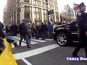 在纽约看见兰博基尼Aventador人们的反应