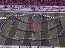 分享视频 俄亥俄州立大学行进管乐队:好莱坞电影汇演 :美国的一场貌似大学生橄榄球上,管乐队队列表演震撼你的视觉,注意是视觉不是听觉。