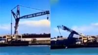 700吨吊车被强风瞬间吹翻
