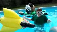 2017年十大游泳池搞笑视频