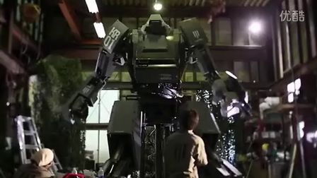 配备机枪!日本超级人形自走兵器KURATAS