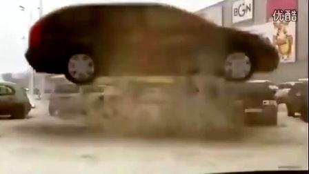 车祸千钧一发俄罗斯车载视频汇编