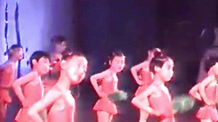 小学生五年级六一儿童节集体舞