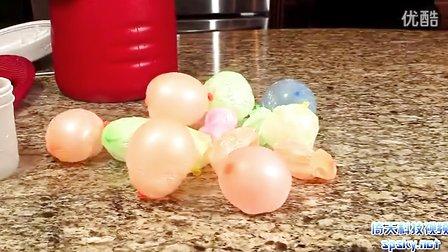 神奇的氣球:被凍結在液態氮里后,看氣球如何恢復原狀