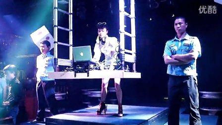 国外知名女dj打碟派对现场视频