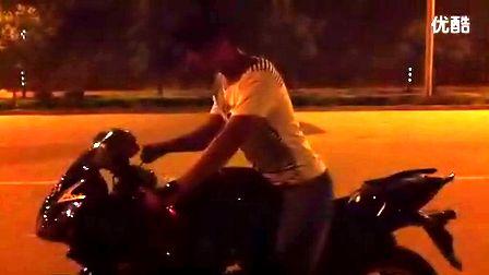 摩托车/地平线跑车摩托车特技烧胎