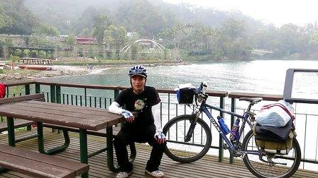 郑用钿《一个人的单车环台(上)》