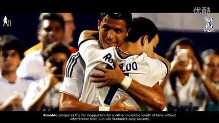 爱足球!爱帅哥!足坛众星球场上那些超有爱感人瞬间大合集