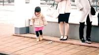 当小孩子们看到陌生人的钱包掉了