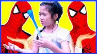 蜘蛛俠與艾莎公主玩旋轉木馬 312
