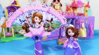 艾莎公主和綠巨人 愛搞笑蜘蛛俠 艾莎公主之神奇魔法棒玩具視頻67