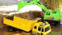 最新挖掘機與卡車水中工作視頻 兒童工程車表演 挖掘機動畫片