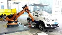 新能源電動車機器人自動充電 厲害了 比加油還方便