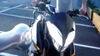 贝纳利 TNT 899 三钢怪兽,国外试骑视频