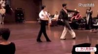 两个男人的拉丁舞恰恰表演