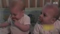 齙牙嬰兒奶嘴再現屏幕 小伙伴們笑翻了_標清